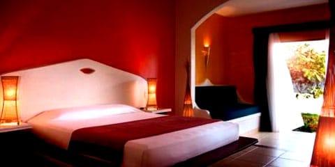 Hotel Mosquito Blue
