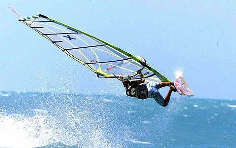 Surfing Jeri - Camocim